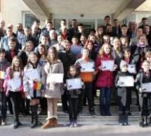 Primarul Dorel Coica a premiat sportivi și pianiști