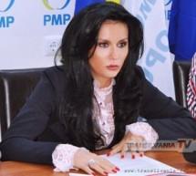 """""""Introducerea cardurilor de sănătate –  bani aruncaţi pe apa sâmbetei"""" crede Laura Bota, lidera PMP Satu Mare!"""