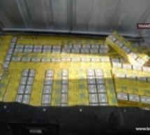 Țigări de contrabandă confiscate de polițiști la Botiz, Vama și Carei