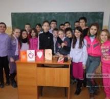 """Elevii din Tășnad sprijină proiectul """"Primăvară în suflet şi cuget"""""""