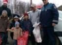 Polițiștii sătmăreni le-au făcut o bucurie familiilor nevoiașe
