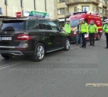 Accident grav în centrul Sătmarului. Victima a fost transportată la spital (Galerie Foto)