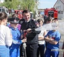 Elevii din Satu Mare, în vizită la pompieri
