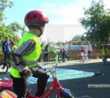 """Cei mai buni biciclişti de la grădiniţe au încheiat campania """"Vreau permis de biciclist!"""""""
