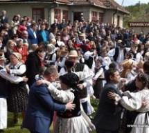 Danțu' la șură, în Soconzel