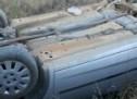 Un tânăr șofer băut s-a răsturnat cu mașina în șanț
