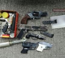 Pistoale și muniție, descoperite într-un autoturism la P.T.F. Petea