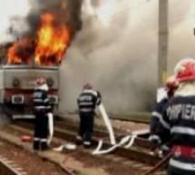 Locomotiva trenului Satu Mare – Oradea a luat foc la Domăneşti