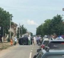 Accident în Satu Mare. Mașină răsturnată pe șosea