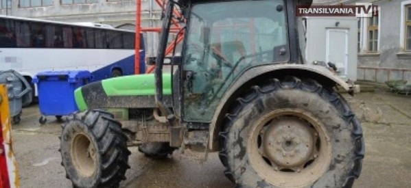 Poliţiştii de frontieră au depistat un tractor furat din Italia