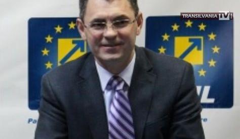 """Petre Mureşan: """"Bugetul judeţului este axat pe brizbrizuri şi obeliscuri"""""""