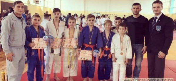 Medalii pentru judoka de la Fușle Security la turneul de la Oradea