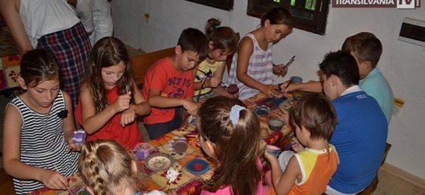 Ateliere de tradiții din Țara Oașului pentru copiii din diaspora