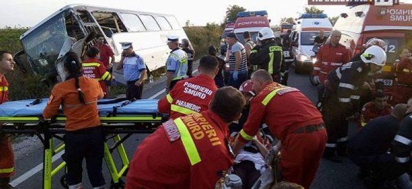 Autocar cu turiști sârbi, răsturnat în șanț între Petrești și Pișcolt. A fost activat Codul Roșu!